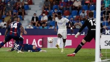 «Реал» сыграл в результативную ничью с «Леванте»