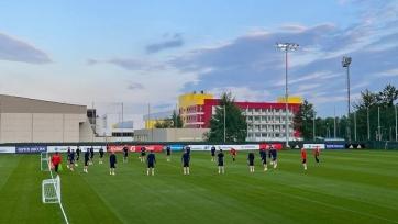 Сборная России проводит первую открытую тренировку при Карпине без пяти игроков