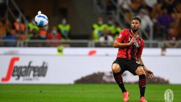 «Милан» крупно выиграл с дублем Жиру, как и «Рома» с двумя голами Пеллегрини