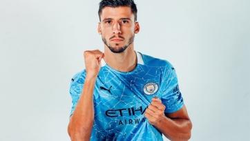 «Манчестер Сити» переподписал основного защитника