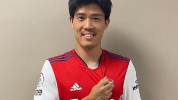 «Арсенал» купил японского защитника «Болоньи»