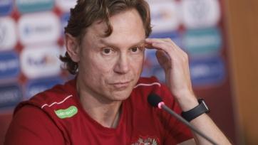 В матче Кипр - Россия Карпин может превзойдет Черчесова