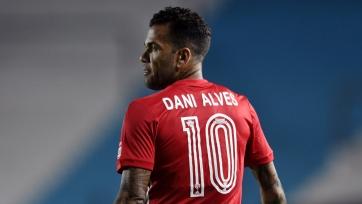 Дани Алвес стал свободным агентом