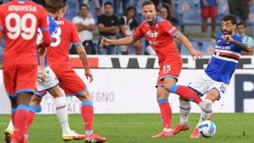 «Наполи» разгромил «Сампдорию» и вышел в лидеры, «Торино» и «Лацио» сыграли вничью